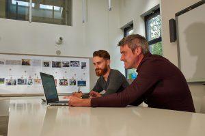 Start! consulenten Robin Kuijpers en Hans Vanwonterghem bij Stebo workshop